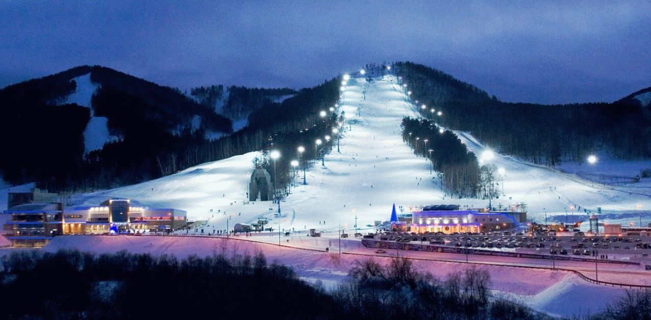 Отдых в фанпарке Бобровый Лог в 2020, горнолыжные трассы – цены и  достопримечательности