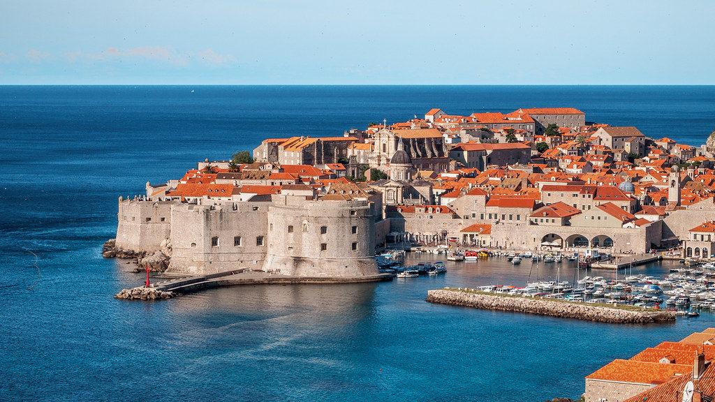 Стены Дубровника и старинная застройка