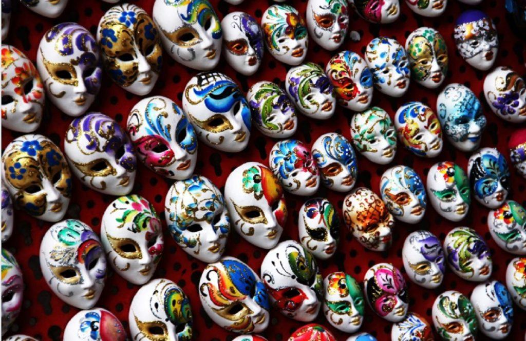 Венеция, маски-сувениры