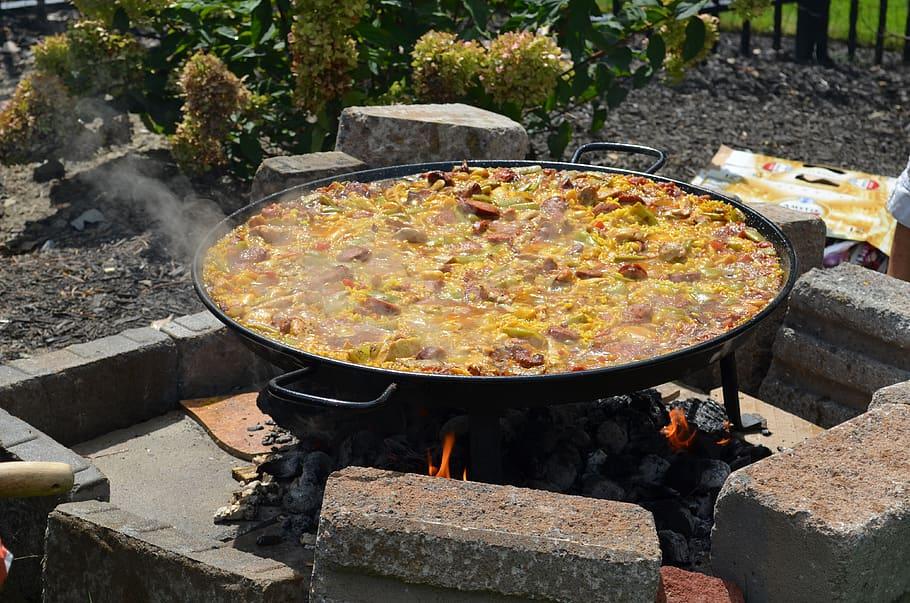 Приготовлении паэльи