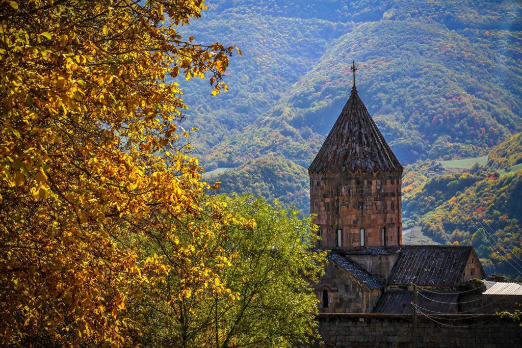 Монастырь Татев осенью